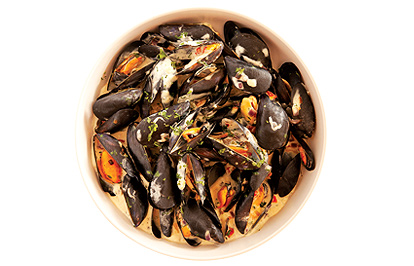 Smoked Curry Mussels